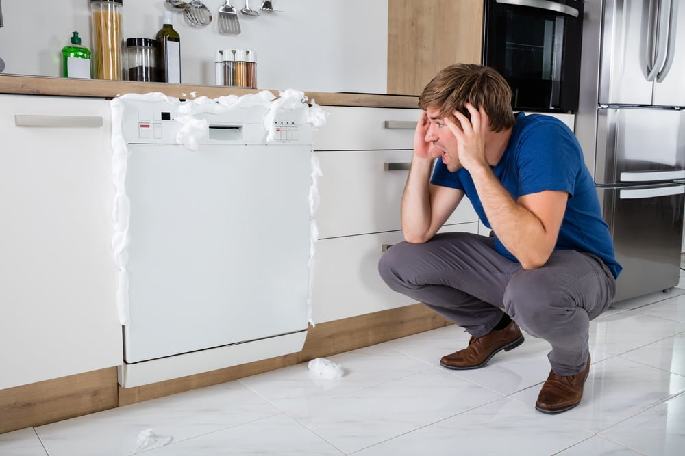 7 Signs You Have a Failing Dishwasher